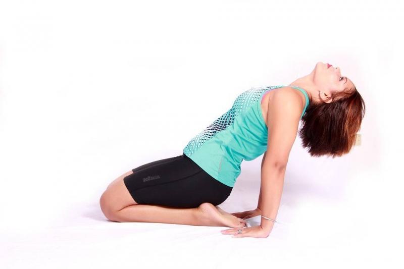 瘦腰瘦肚子的瑜伽做什么瑜伽动作可以瘦腰瘦肚子